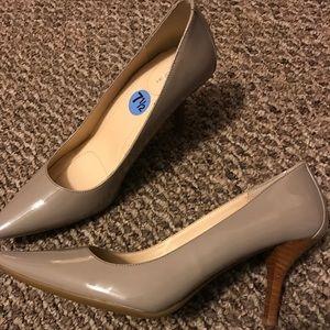 Calvin Klein pumps/ heels size 7 1/2
